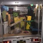軽トラに積み込んである特殊清掃に対応できる資材
